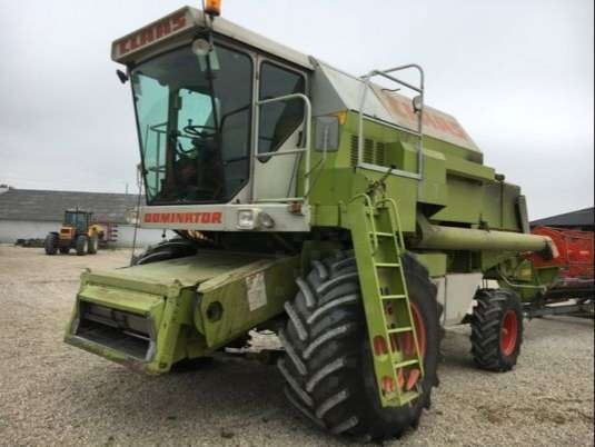 Moissonneuse-batteuse CLAAS DOMINATOR 108 S